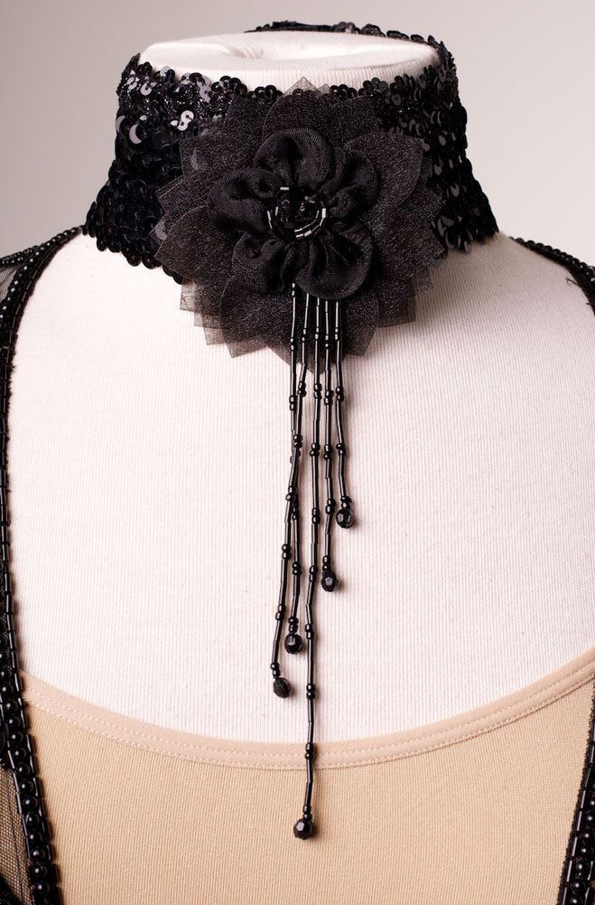Black Rose Sequined Necklet