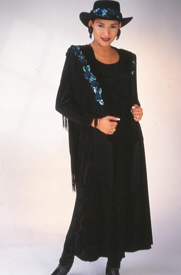 Black Velvet Green Roses. #2038